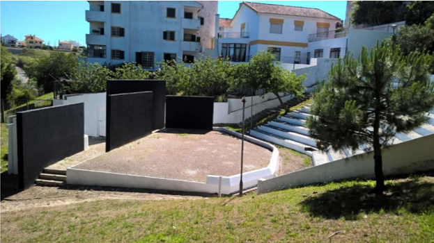 Manutenção do anfiteatro no Parque Paz e Amizade